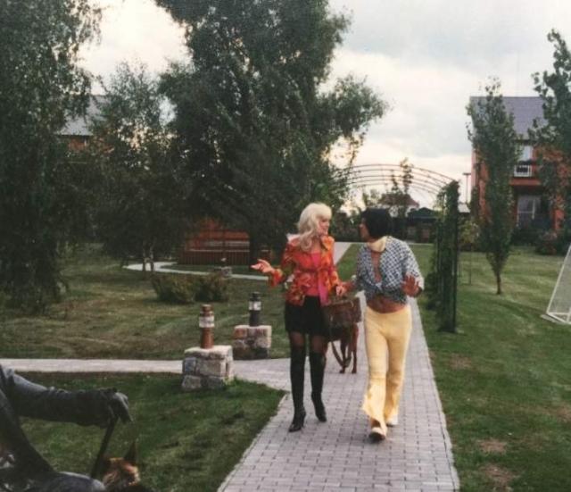 """Ольга Сумская на съемках """"Бездельников"""""""