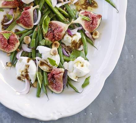 Средиземноморская кухня: рецепты салатов - фото №1