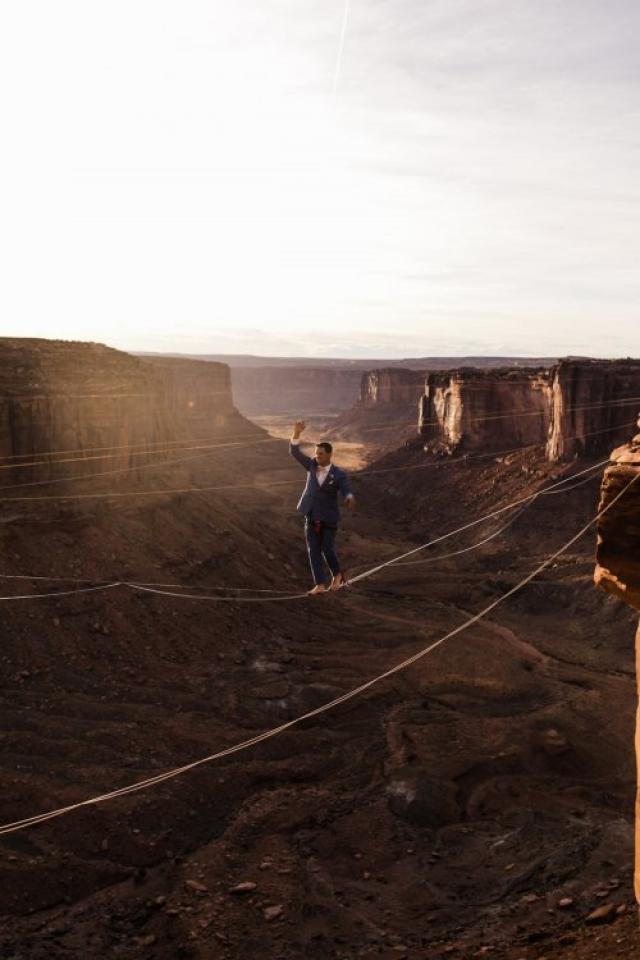 """Свадьба над каньоном: она сказала """"да"""" на высоте 122 метра - фото №5"""
