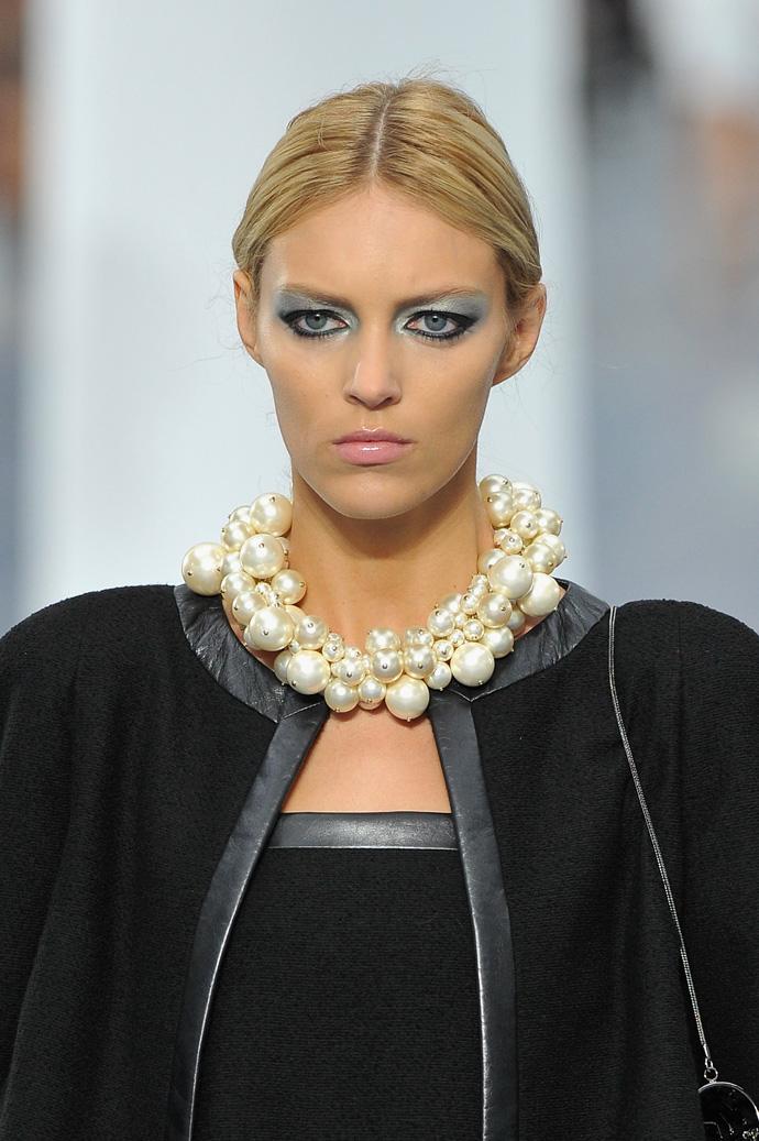 Неделя моды в Париже: «ветреный» показ от Chanel - фото №4