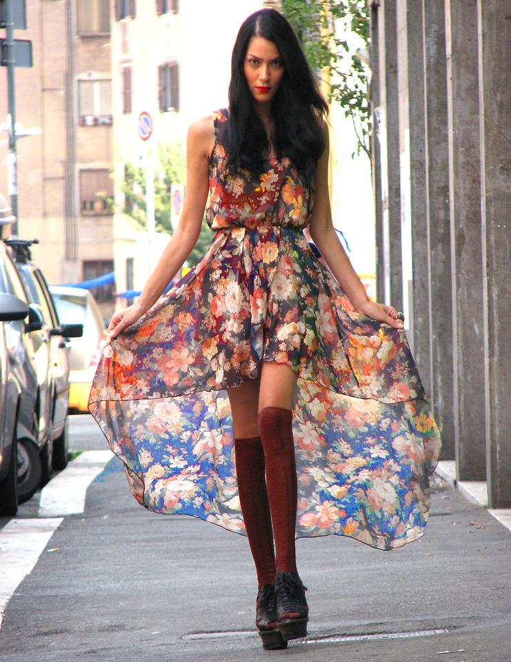 Модные платья в цветочек сезона весна-лето 2013 - фото №5