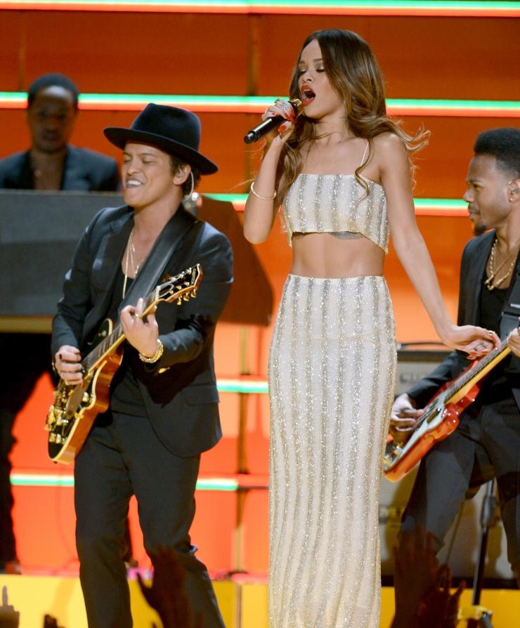Grammy 2013: победители и красная дорожка. Фото - фото №9