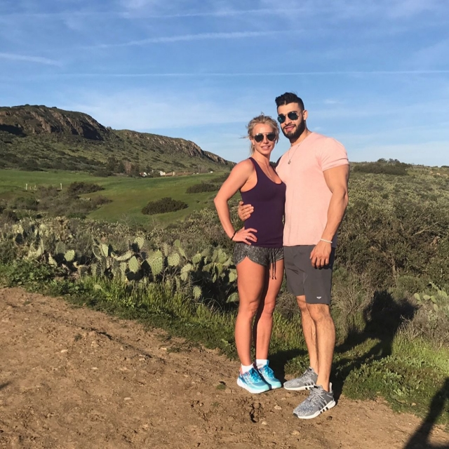 Бритни Спирс готовится предложить 23-летнему бойфренду жениться на ней - фото №1