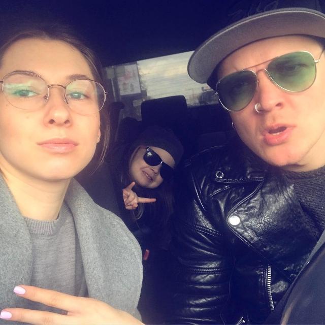 Жена фронтмена группы O.Torvald похвасталась округлившимся животиком (ФОТО) - фото №2