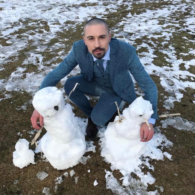 Как отдыхают звезды: лысый Дима Билан в ушанке удивил своим образом в Исландии (ФОТО) - фото №3
