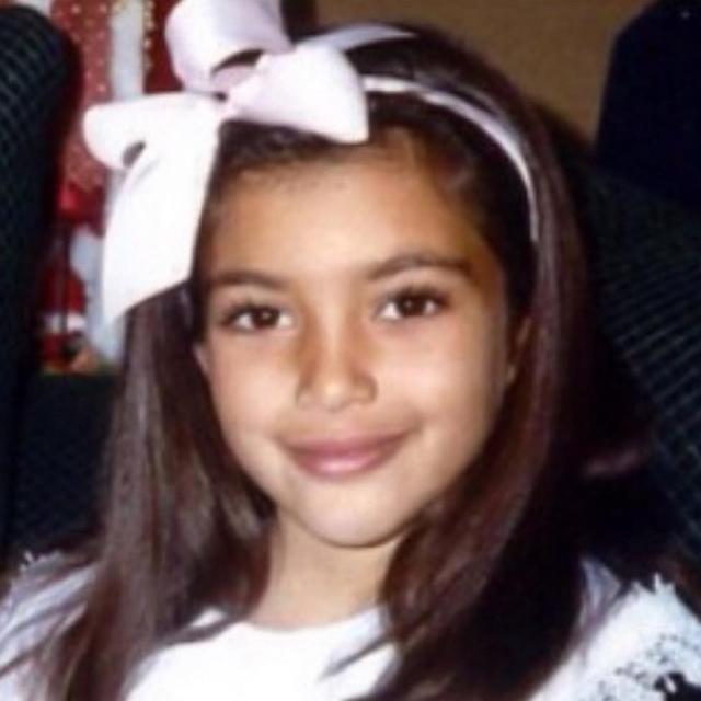 Ким Кардашьян показала детские ФОТО: редкие архивные кадры звезды реалити-шоу - фото №1