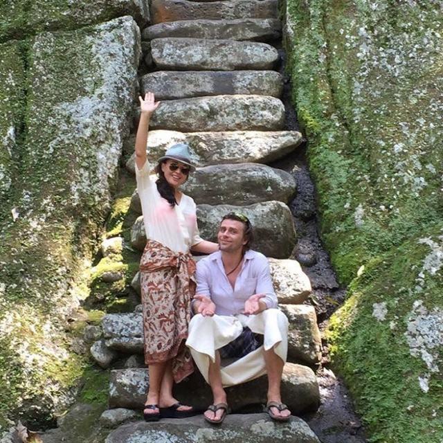 Как отдыхают звезды: Анастасия Заворотнюк и Петр Чернышев показали любовь на Бали (ФОТО) - фото №2