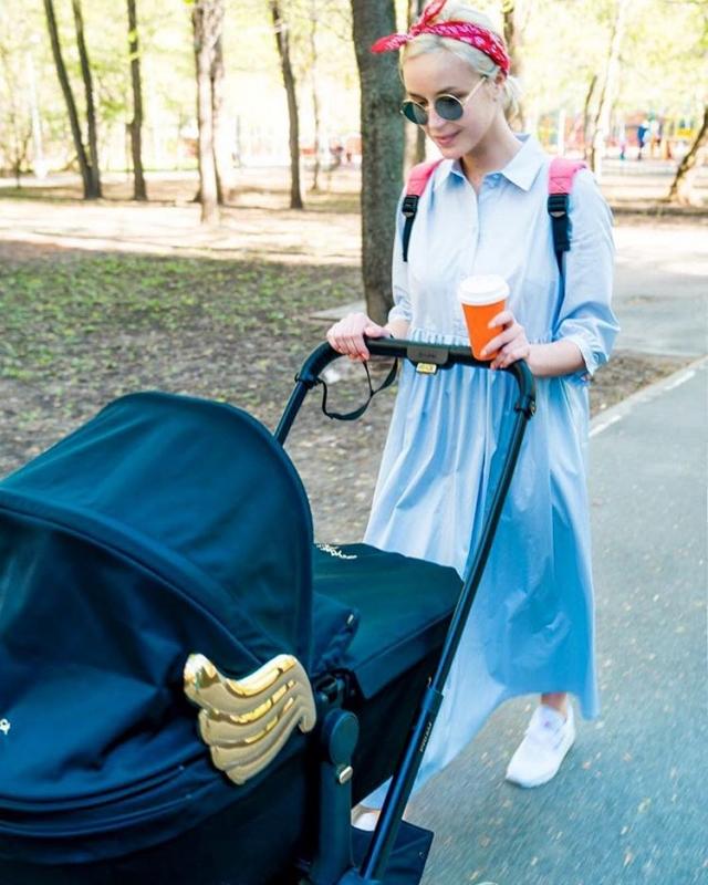 Полина Гагарина вернулась к работе спустя 2 недели после родов: певица восхитила живым исполнением (ВИДЕО) - фото №1