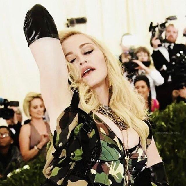 Дочь Майкла Джексона сыграет Мадонну в автобиографическом фильме про поп-звезду (ФОТО) - фото №2