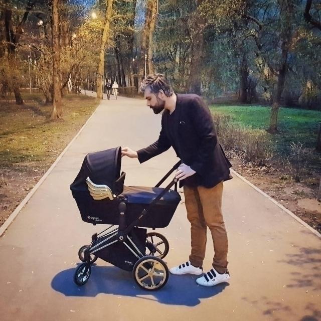 Полина Гагарина показала фото первой прогулки с новорожденной дочерью (ФОТО) - фото №2