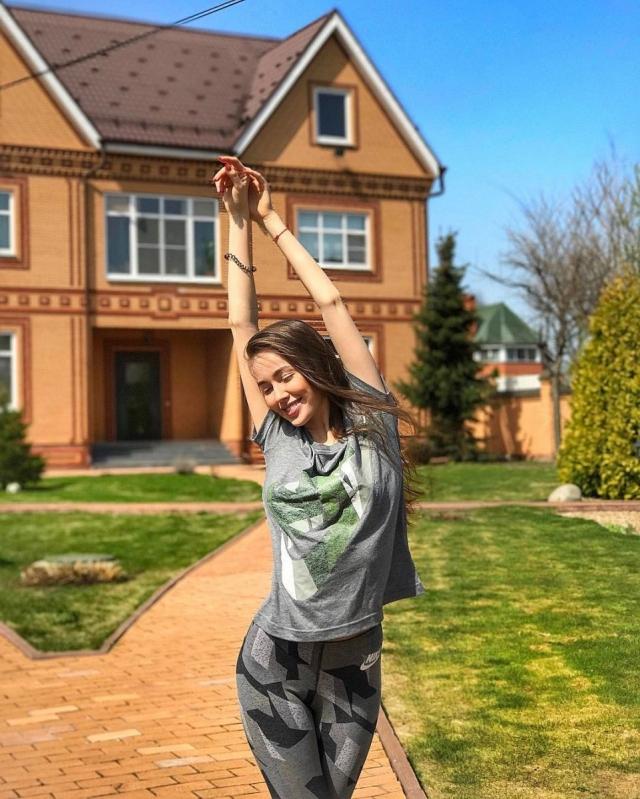 Новая пассия экс-мужа Ольги Бузовой Дмитрия Тарасова рассказала о том, что делает ее счастливой - фото №1
