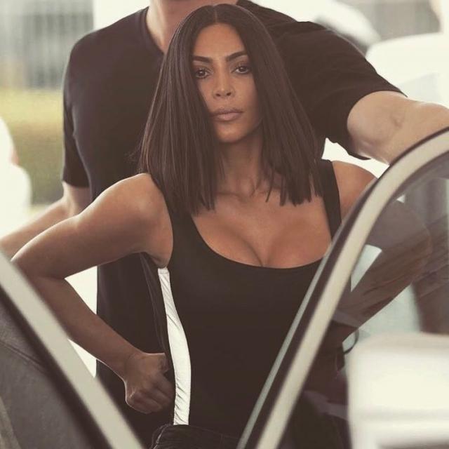 Поклонники Ким Кардашьян обвинили пышнотелую модель Эшли Грэм в плагиате (ФОТО) - фото №4