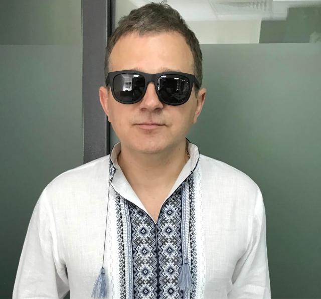 Ретро-фото: Юрий Горбунов показал в Instagram, как выглядел в начале карьеры (ФОТО) - фото №2