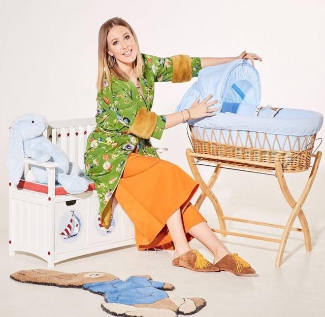 Ксения Собчак отдыхает с 6-месячным сыном на пляже: новое ФОТО малыша умилило Сеть - фото №2