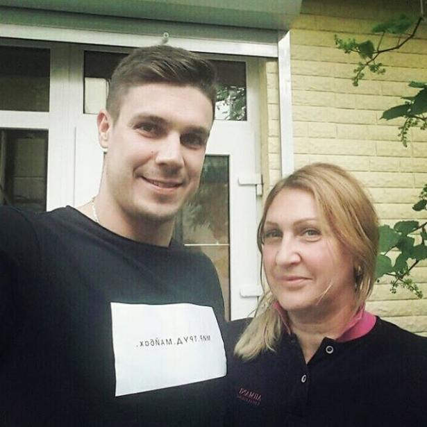 дмитрий черкасов с мамой