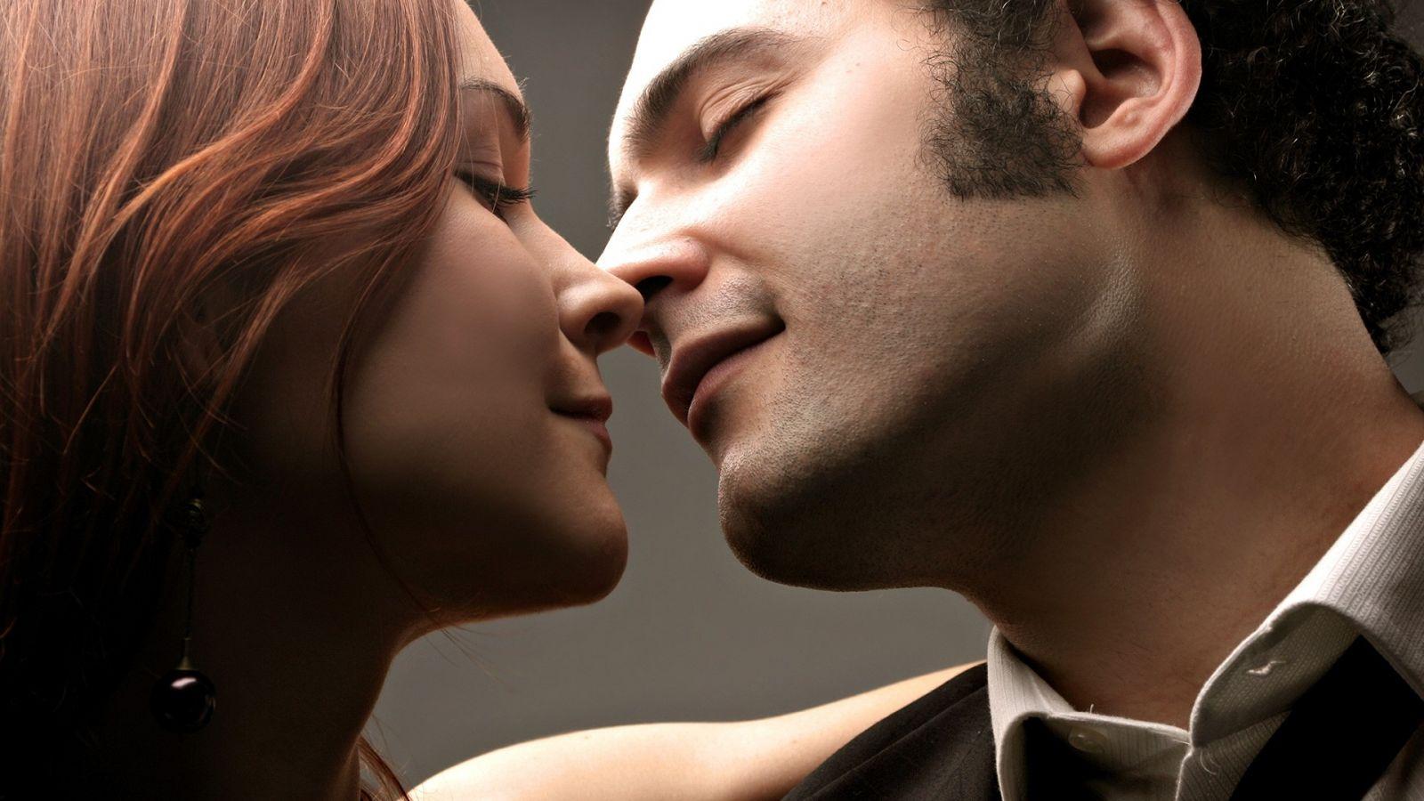 Куда целовать, чтобы возбудить: места для поцелуев - фото №1