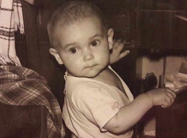 Кадр из детства: Алсу умилила поклонников своим архивным ФОТО - фото №1