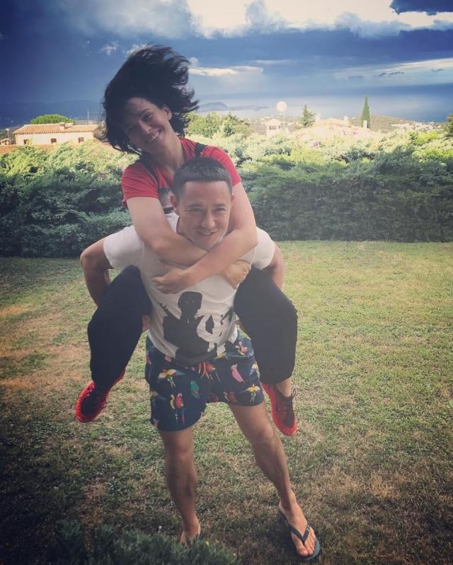 Как отдыхают звезды: Даша Астафьева с бойфрендом веселится на пляже Испании (ФОТО) - фото №2