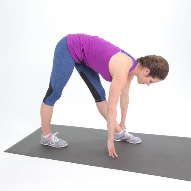 6 лучших упражнений на растяжку для тех, кто работает сидя - фото №2