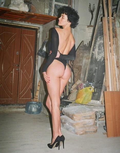 Даша Астафьева устроила пикантную фотосессию в заброшенном подвале (ФОТО) - фото №1
