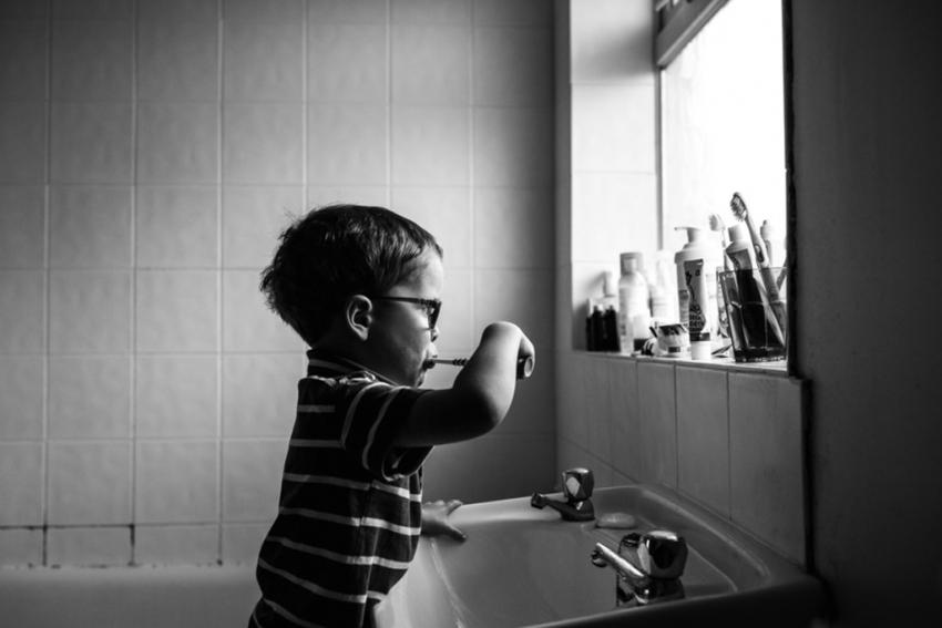 На самом ли деле электрическая зубная щетка лучше обычной ручной? Как не потратить деньги в пустую и сделать правильный выбор? - фото №7