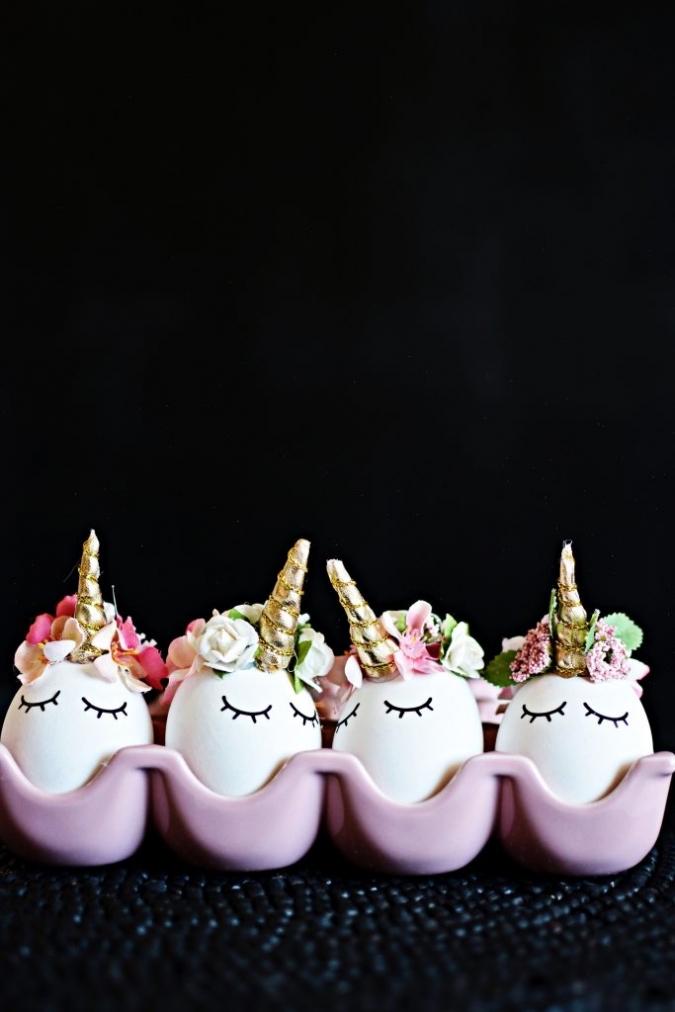 Поделка на Пасху из яиц «Единороги»