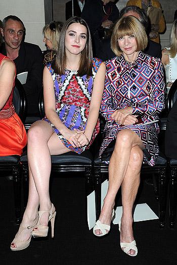 Показ Versace открыл Неделю высокой моды в Париже - фото №2