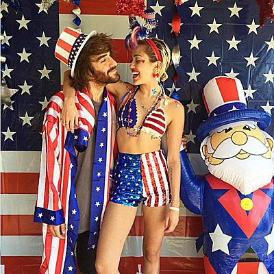 Как звезды отметили День независимости США - фото №3