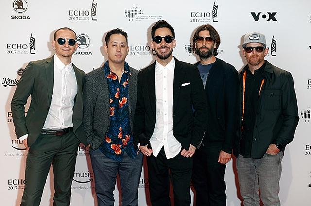 """Музыканты Linkin Park в письме покойному Честеру Беннингтону: """"Демоны, забравшие тебя с собой, были частью нашей команды"""" - фото №1"""