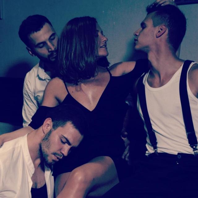 Похудевшая Наталья Могилевская заинтриговала ФОТО в обнимку с тремя красавцами - фото №2