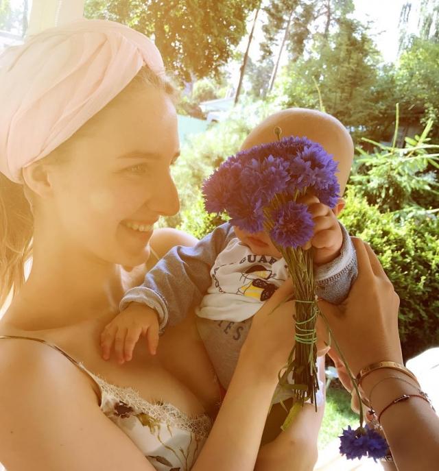 8-месячный сын Ксении Собчак поздравил с 21-летием дочь Максима Виторгана от первого брака (ФОТО) - фото №1