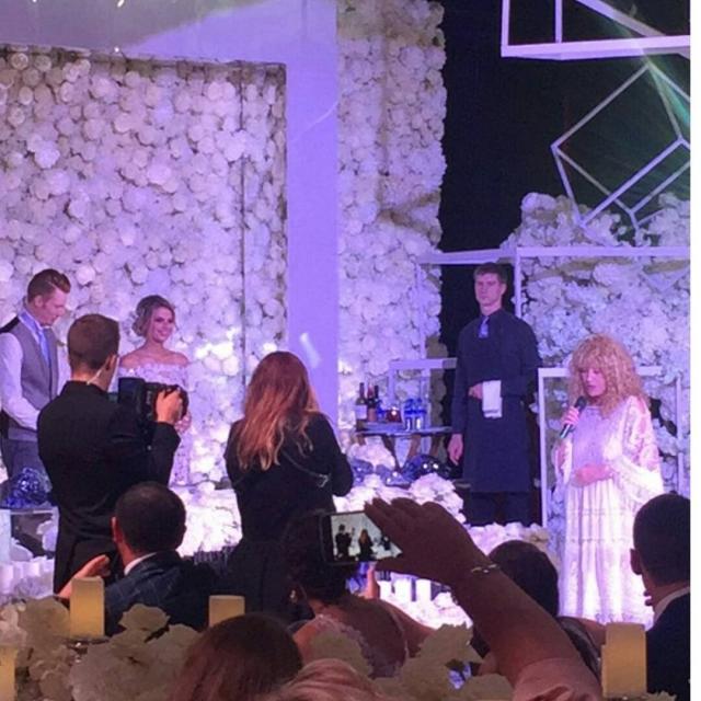 """Алла Пугачева сказала оригинальный тост на свадьбе внука: """"Если будут ссоры — не уходите в ночь"""" (ВИДЕО+ФОТО) - фото №1"""