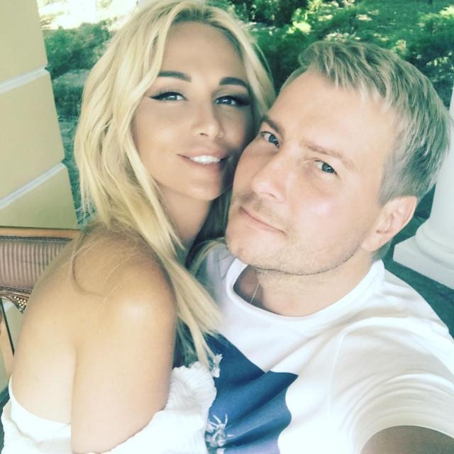 Николай Басков опубликовал романтическое ФОТО со своей красоткой-невестой Викторией Лопыревой - фото №1