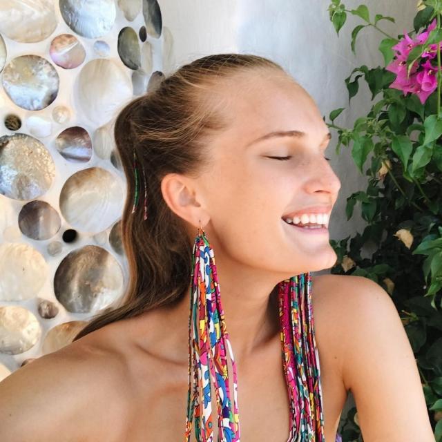 Из одежды только серьги: Алла Костромичева поделилась ярким селфи в Instagram (ФОТО) - фото №1