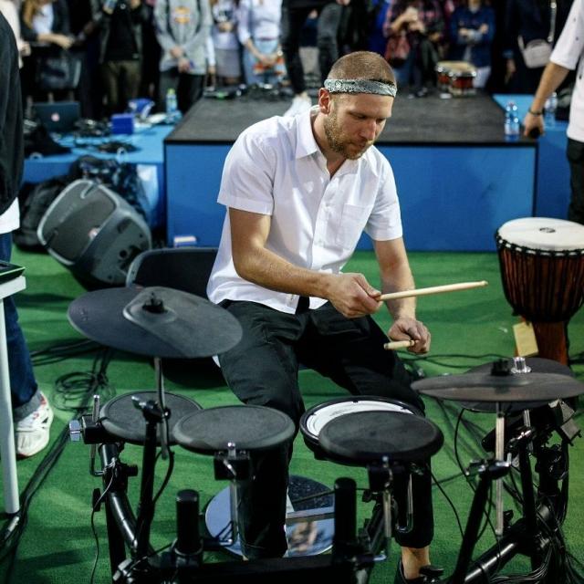 Украинец Иван Дорн представит Россию на премии MTV Europe Music Awards - фото №1