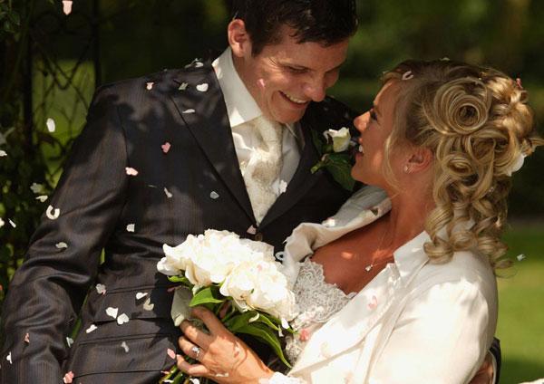 Зачем выходить замуж: 5 практичных причин - фото №1