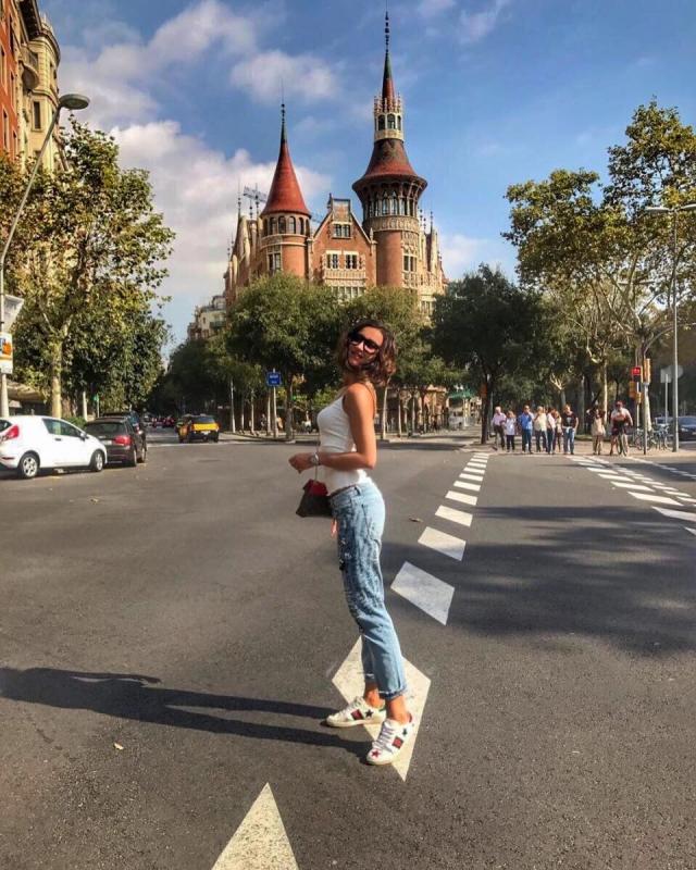 Как Ольга Бузова оторвалась с подругой в Испании (ВИДЕО+ФОТО) - фото №1
