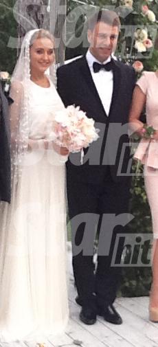 В Сети появилось фото с тайной свадьбы Евы Бушминой - фото №1