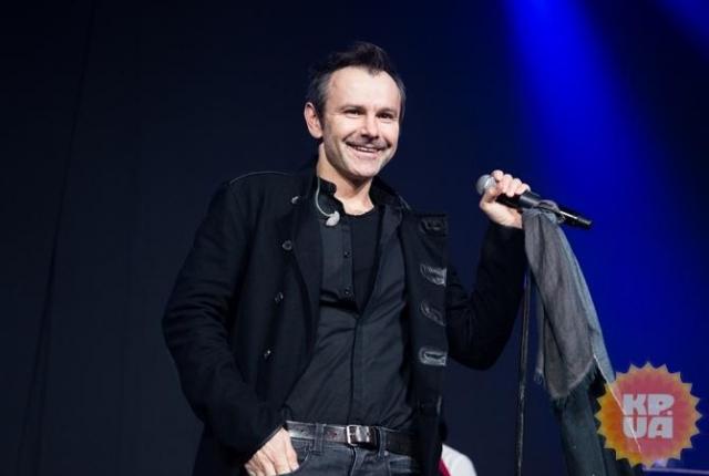 """Лидер """"Океан Ельзи"""" Святослав Вакарчук рассказал, почему потерял голос на концерте и как его восстанавливает - фото №2"""