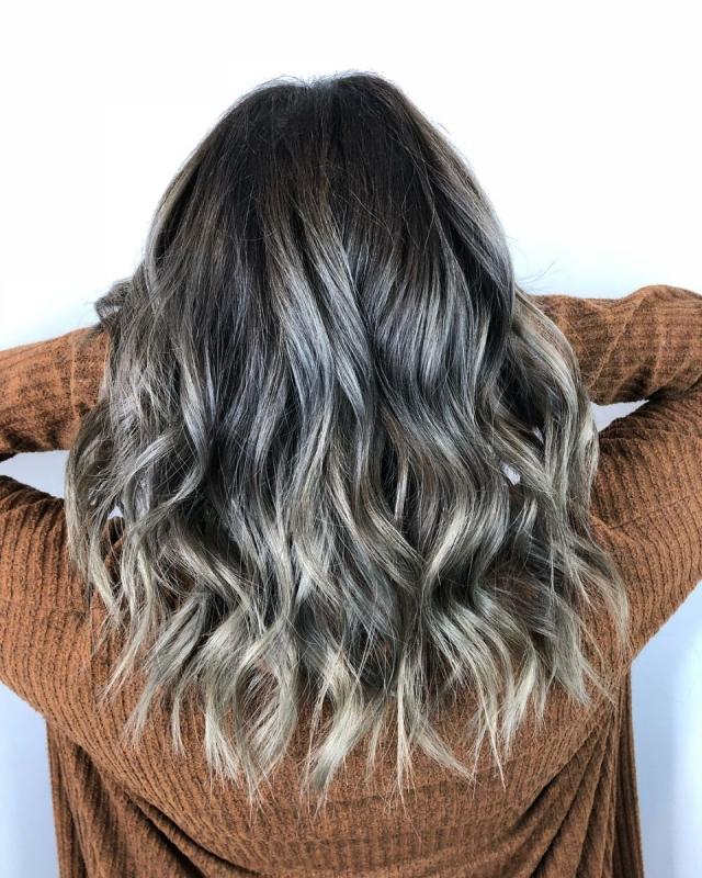 10 вариантов модного серого окрашивания волос - фото №8