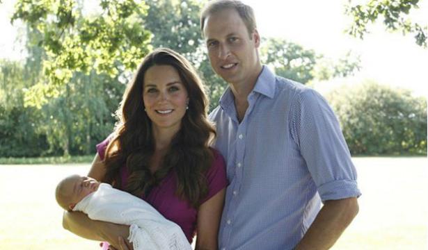 Кейт Миддлтон и принц Уильям показали сына - фото №2