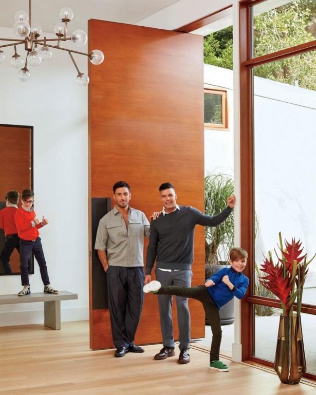 Рики Мартин с мужем и детьми