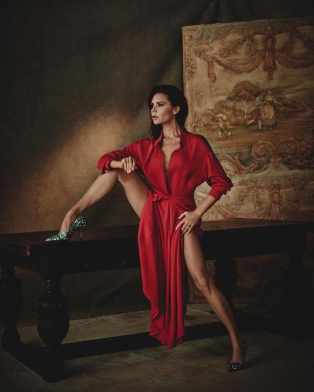Фото Виктория Бекхэм в красном платье