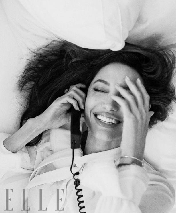В новом интервью Анджелина Джоли рассказала, чему учит дочек, и как начала свою борьбу за права женщин - фото №4