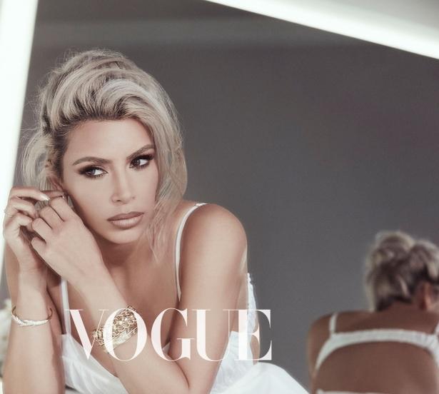 Не узнать: сдержанная и элегантная Ким Кардашьян в шестой раз появилась на обложке Vogue - фото №5