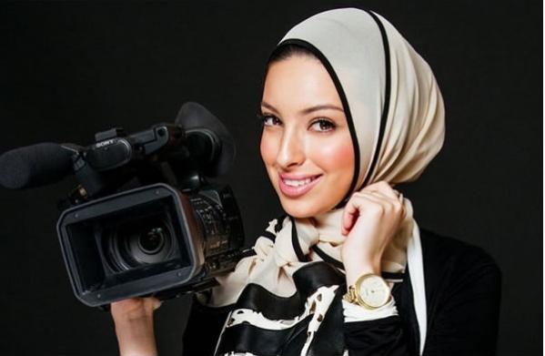 Мусульманка в хиджабе впервые появилась на обложке Playboy (ФОТО) - фото №3