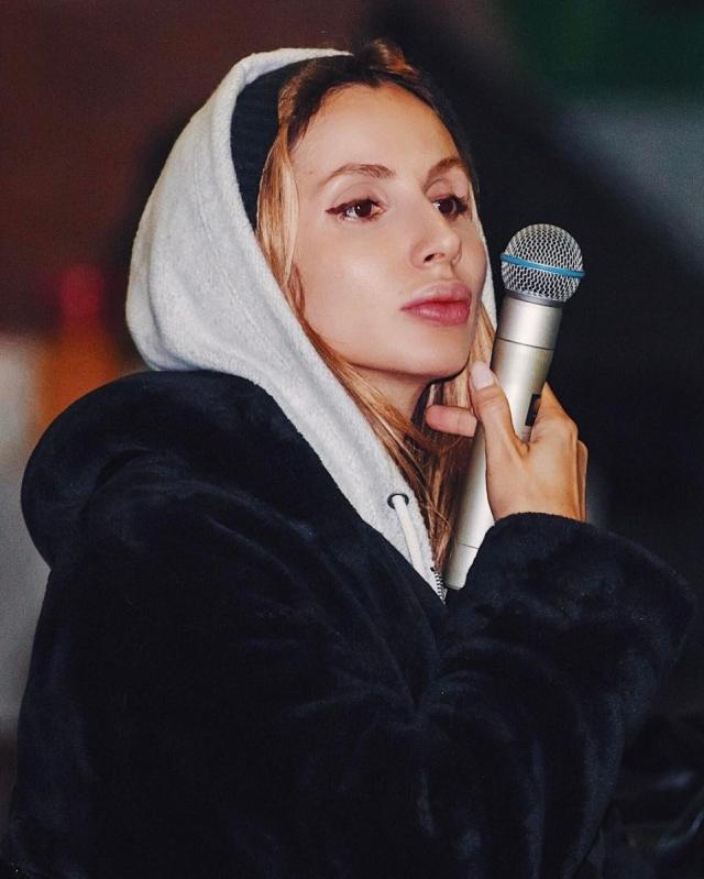 Пусть говорят: LOBODA рассказала Андрею Малахову про скандал с журналистами, экс-бойфренда и дружбу с Лолитой (ВИДЕО) - фото №2