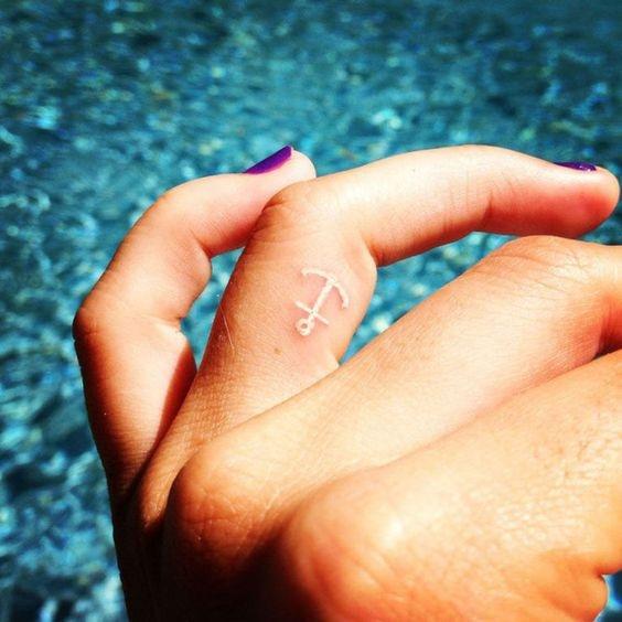 Белые татуировки набирают популярность: что надо знать, прежде чем набить (ФОТО) - фото №8