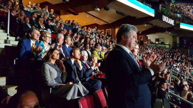 """Петр и Марина Порошенко посетили """"Игры Непокоренных"""" в Торонто: Президентская чета Украины сидела рядом с Меланией Трамп и принцем Гарри (ФОТО) - фото №2"""