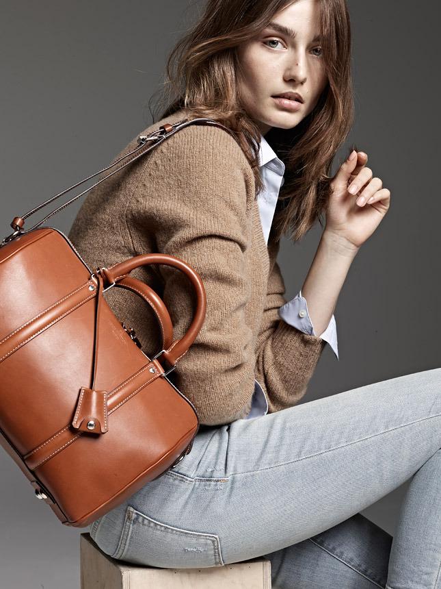 Louis Vuitton посвятил новую линию сумок горе Парнас - фото №2